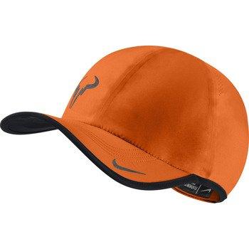 czapka tenisowa NIKE RAFA BULL FEATHERLIGHT CAP / 613966-835